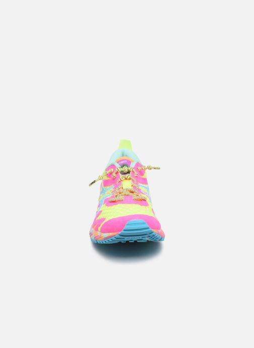 Chaussures de sport Asics Gel-Noosa Tri 12 Multicolore vue portées chaussures