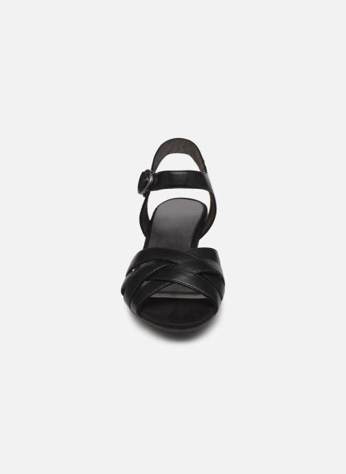 Sandali e scarpe aperte Jana shoes JYST Nero modello indossato