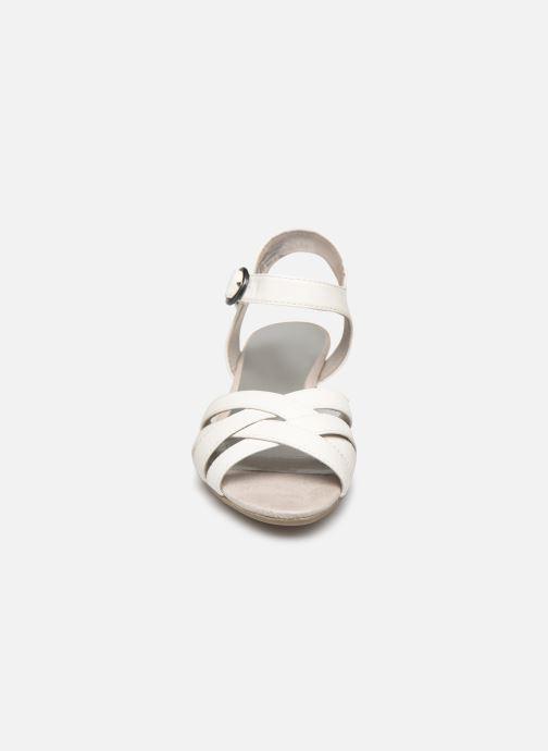 Sandali e scarpe aperte Jana shoes JYST Bianco modello indossato