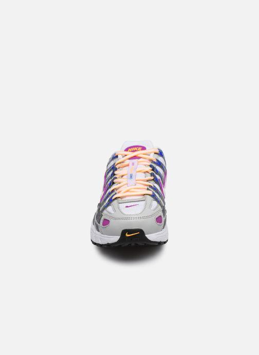 Deportivas Nike W Nike P-6000 Gris vista del modelo