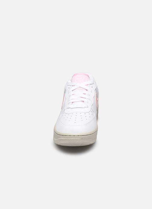 Baskets Nike Wmns Nike Air Force 1 '07 Blanc vue portées chaussures