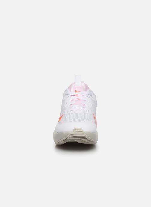 Baskets Nike Wmns Nike Air Max Dia Blanc vue portées chaussures