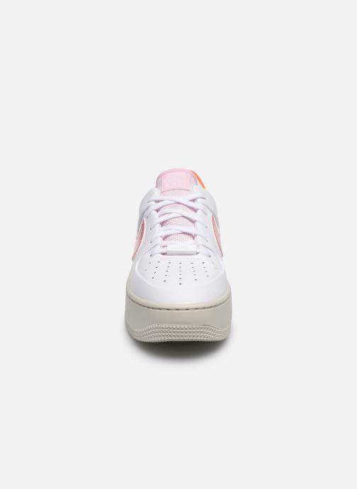 Nike Wmns Nike Af1 Sage Low (Blanc) Baskets chez Sarenza