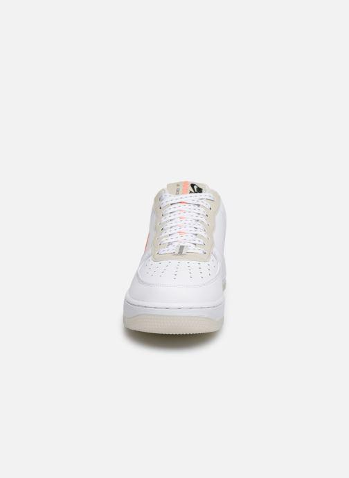 Baskets Nike Air Force 1 '07 Lv8 3 Blanc vue portées chaussures