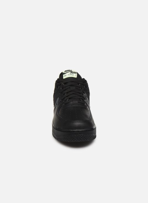 Deportivas Nike Air Force 1 React Negro vista del modelo