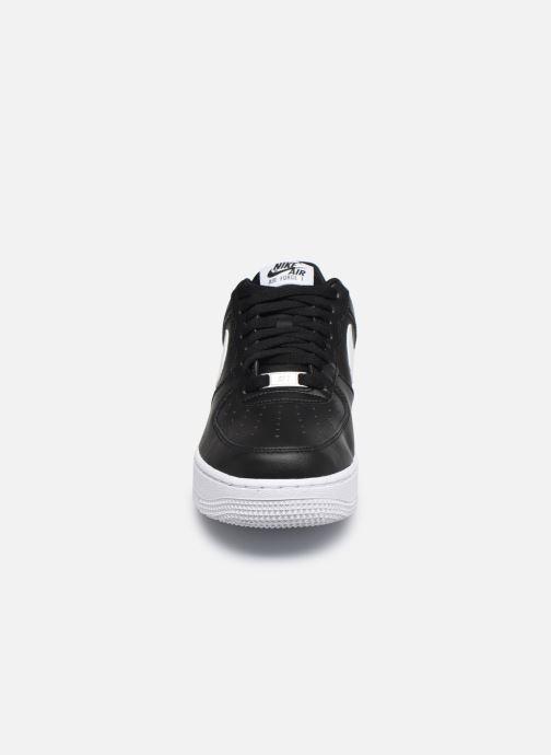 Baskets Nike Air Force 1 '07 An20 Noir vue portées chaussures