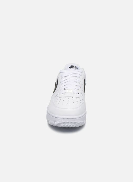 Sneakers Nike Air Force 1 '07 An20 Bianco modello indossato