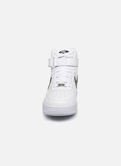 Baskets Nike Air Force 1 High '07 An20 Blanc vue portées chaussures