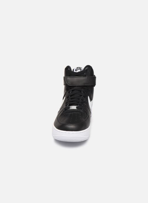 Sneakers Nike Air Force 1 High '07 An20 Nero modello indossato