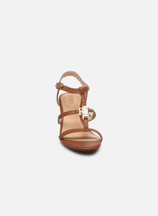 Sandali e scarpe aperte Lauren Ralph Lauren Charlton Marrone modello indossato