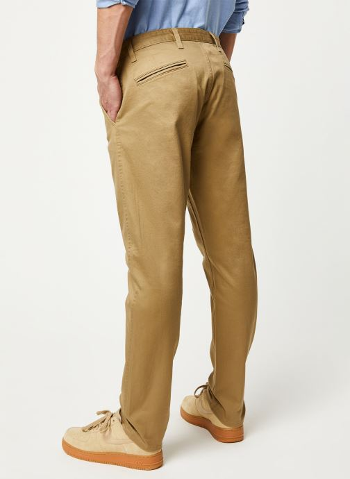 Vêtements Dockers Alpha Original Khaki Slim Beige vue portées chaussures