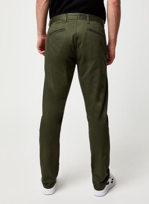 Vêtements Dockers Alpha Original Khaki Slim Vert vue portées chaussures