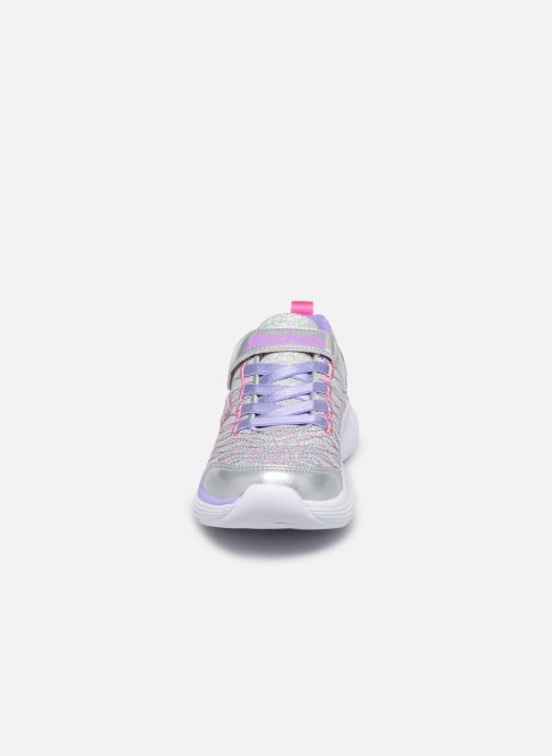 Baskets Skechers Move 'N Groove Sparkle Spinner Multicolore vue portées chaussures