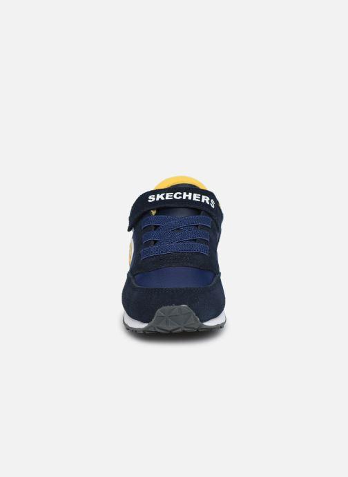 Sneakers Skechers Retro Sneaks Gorvox Azzurro modello indossato