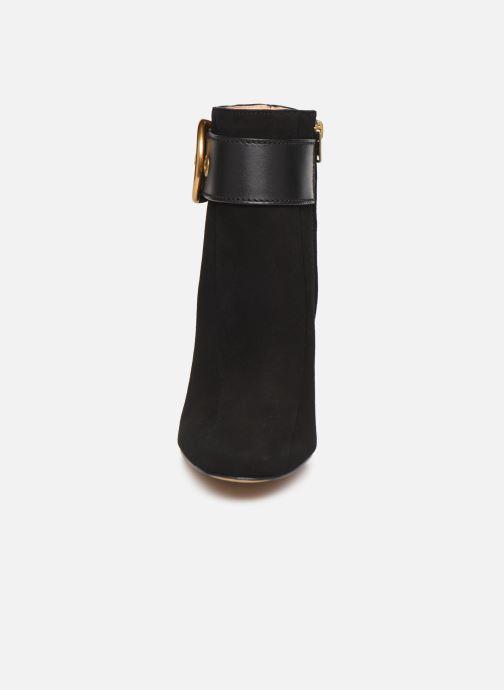 Bottines et boots Coach Dara Buckle Bootie- Suede Noir vue portées chaussures