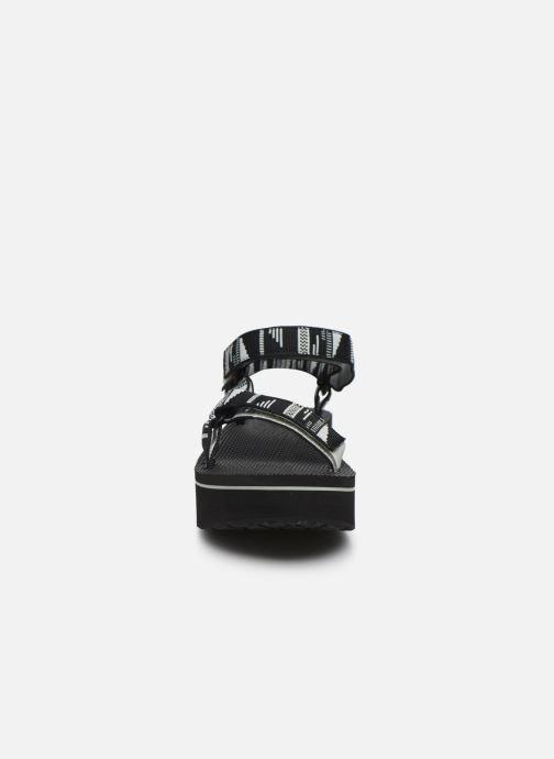 Sandali e scarpe aperte Teva Flatform Universal W Nero modello indossato