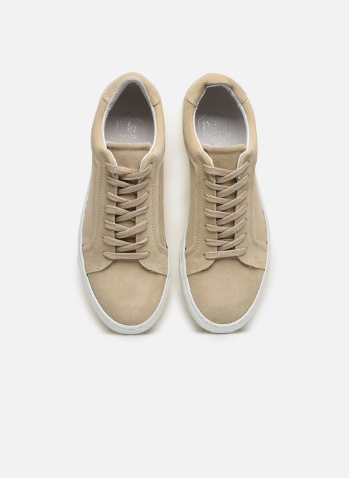 Sneakers Mr SARENZA Notini Beige modello indossato