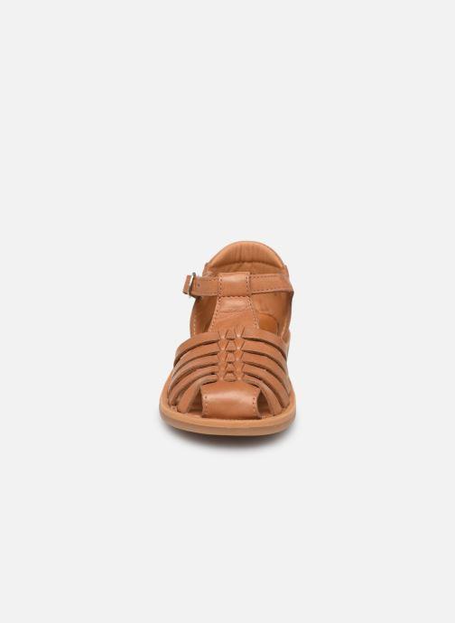 Sandales et nu-pieds Pom d Api Poppy Pitti Marron vue portées chaussures