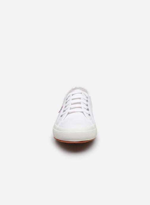 Baskets Superga 2750 Cotu C20 W Blanc vue portées chaussures