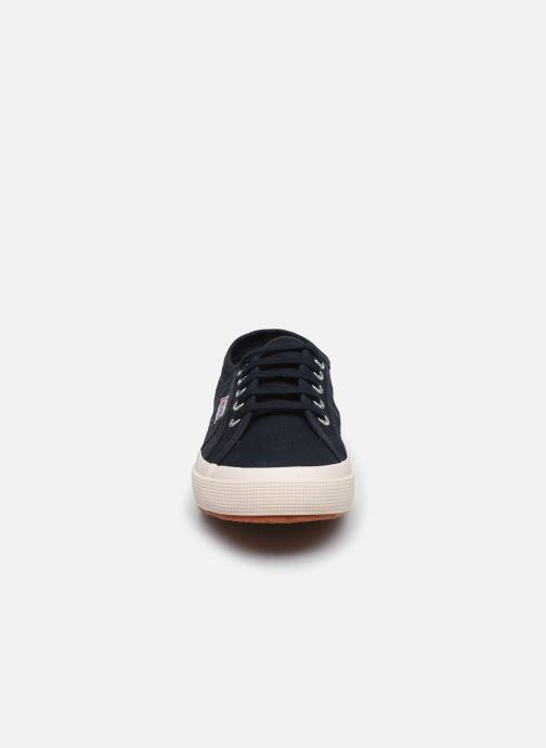 Baskets Superga 2750 Cotu Classic C20 W Bleu vue portées chaussures