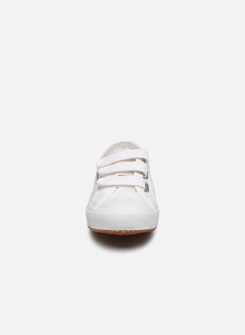 Baskets Superga 2750 Cot 3 Strapu C20 W Blanc vue portées chaussures