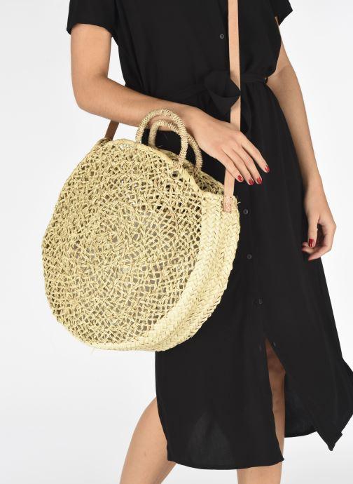 Handtaschen Etincelles Panier Rond Ajouré beige ansicht von unten / tasche getragen
