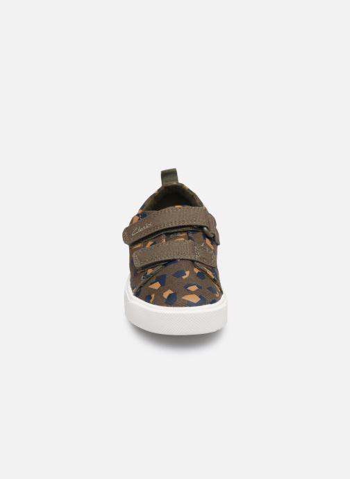 Baskets Clarks City bright T Vert vue portées chaussures