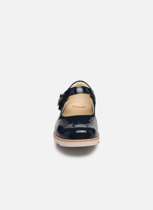 Ballerines Clarks Crown jump K Bleu vue portées chaussures