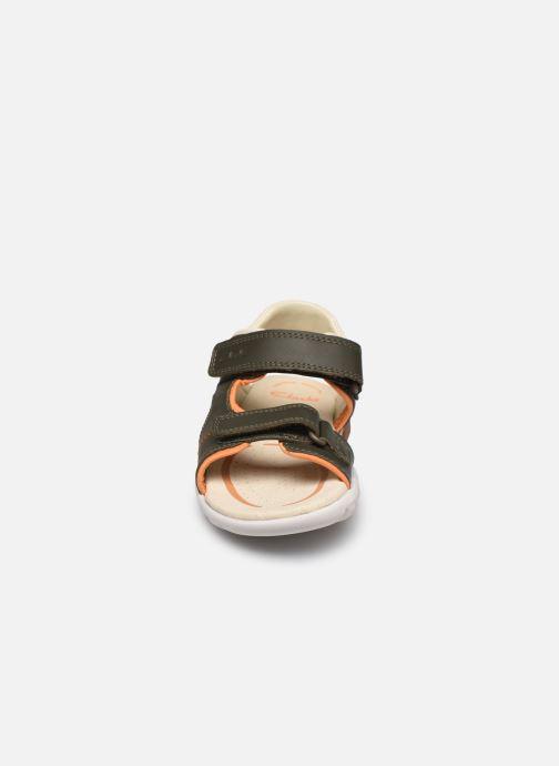 Sandales et nu-pieds Clarks Rocco Wave K Vert vue portées chaussures