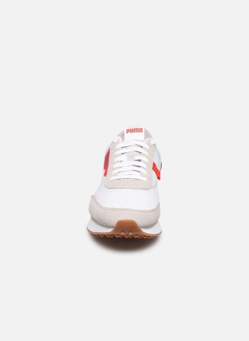 Sneakers Puma RIDER STREAM ON Bianco modello indossato