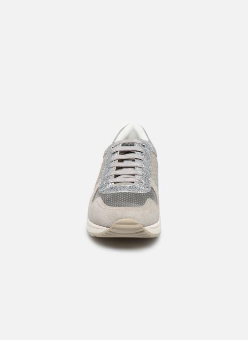 Baskets Geox D AIRELL D022SA Gris vue portées chaussures