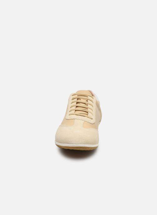 Sneakers Geox D VEGA Beige modello indossato