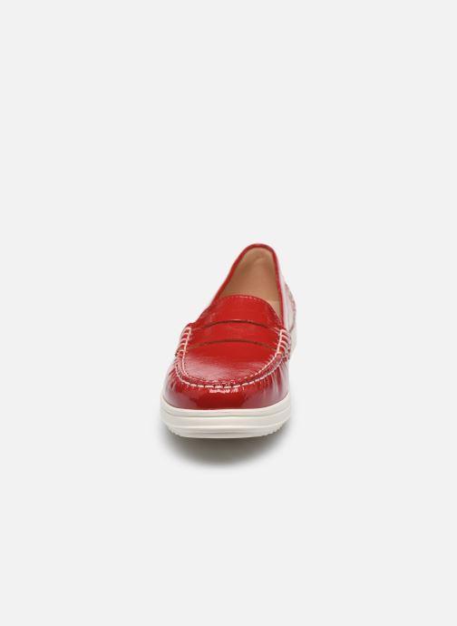 Mocassini Geox D GENOVA MOC Rosso modello indossato