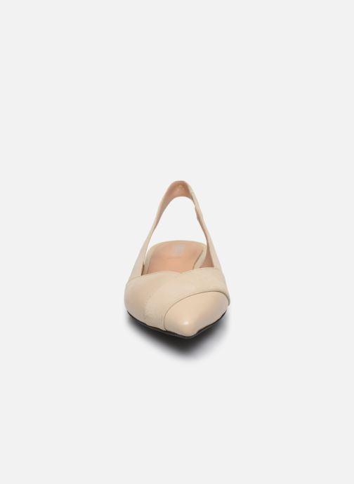 Ballerines Geox D CHARYSSA Beige vue portées chaussures