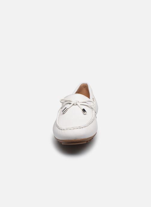 Schnürschuhe Geox D LEELYAN D724RA weiß schuhe getragen