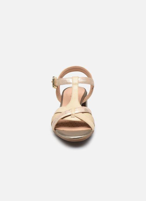 Sandalen Geox D MARYKARMEN MID SAN D02CWE beige schuhe getragen