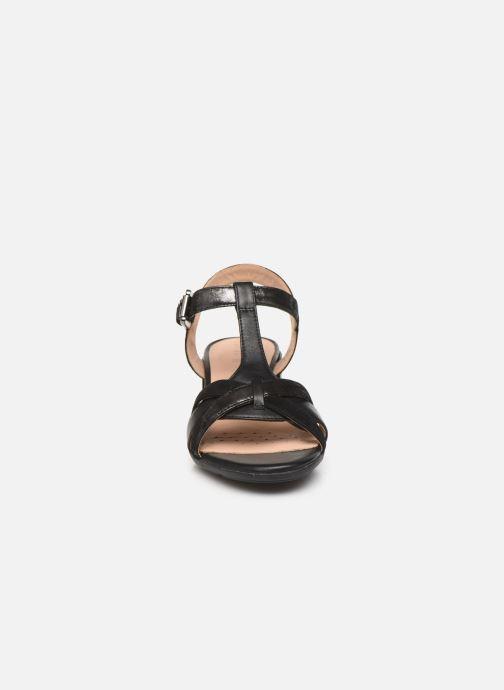 Sandalen Geox D MARYKARMEN MID SAN D02CWE schwarz schuhe getragen