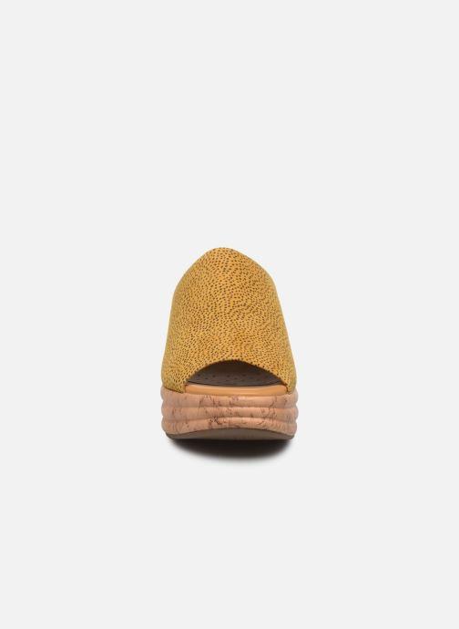 Clogs & Pantoletten Geox D PRIMULA SANDALO D02GYD gelb schuhe getragen