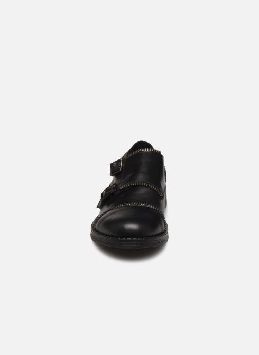 Zapatos con cordones Yep Heloise Negro vista del modelo