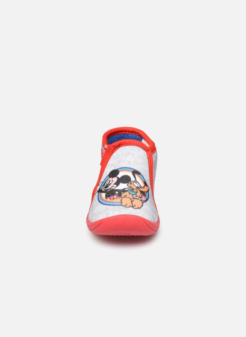 Chaussons Mickey Mouse Savon Gris vue portées chaussures