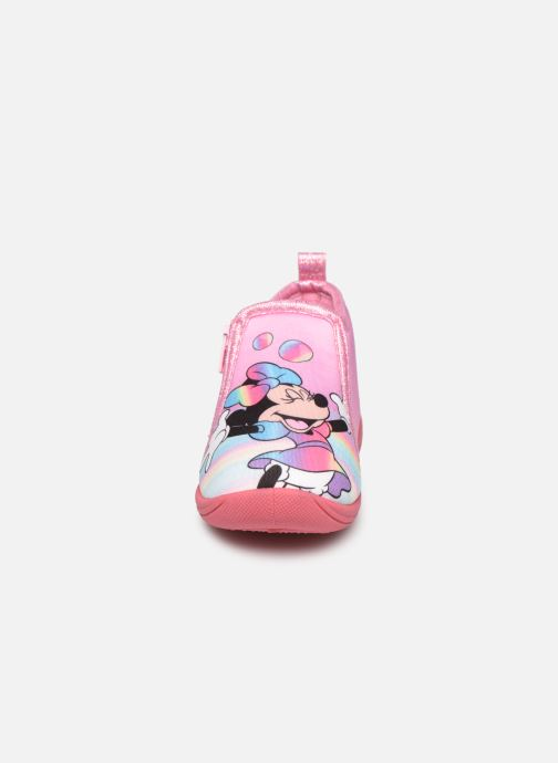 Chaussons Mickey Mouse Savon Rose vue portées chaussures