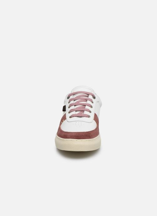 Sneaker Kickers SNIKLAN weiß schuhe getragen