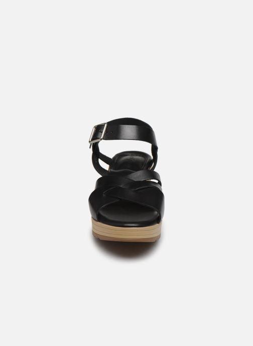 Sandalen Kickers WIDJIK schwarz schuhe getragen