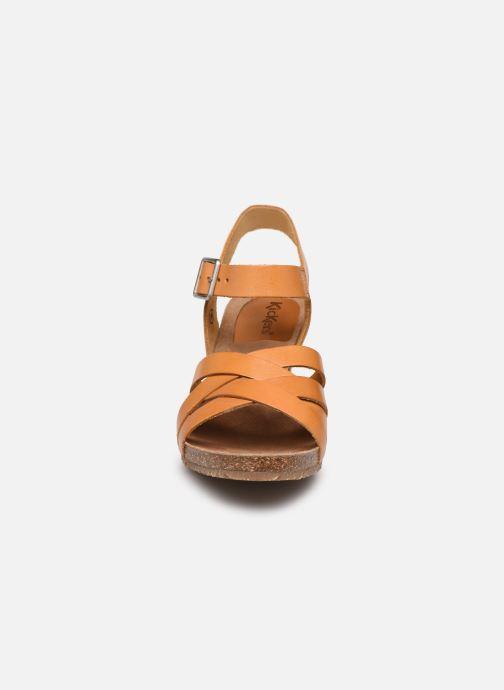Sandales et nu-pieds Kickers SOLYNA Jaune vue portées chaussures
