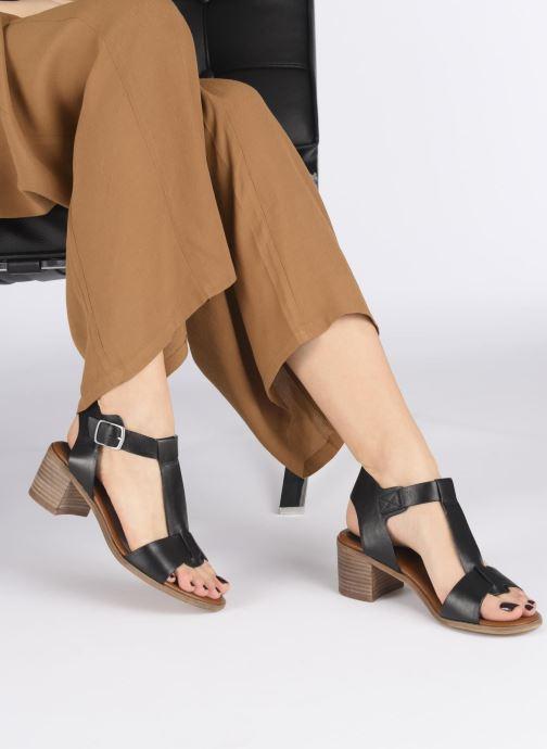 Sandali e scarpe aperte Kickers VALMONS Nero immagine dal basso