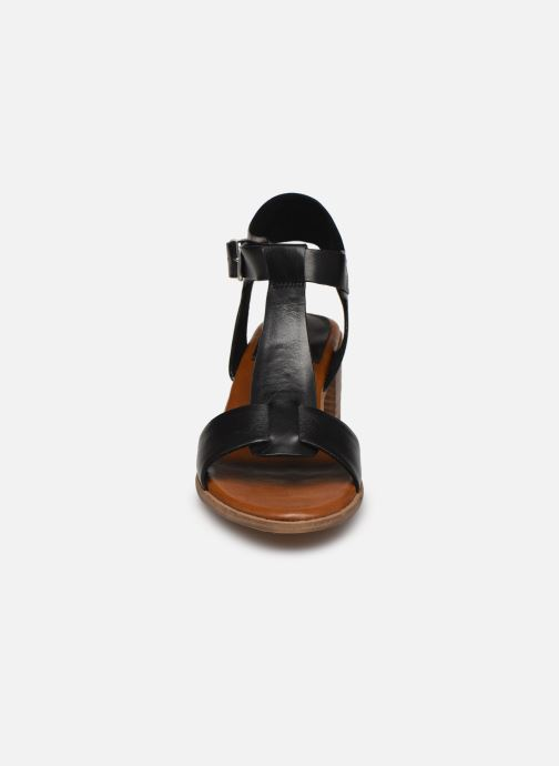 Sandali e scarpe aperte Kickers VALMONS Nero modello indossato