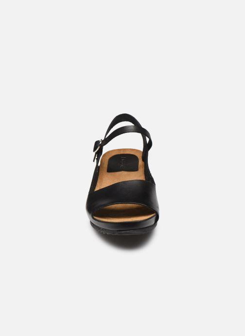 Sandales et nu-pieds Kickers TAKIKA Noir vue portées chaussures