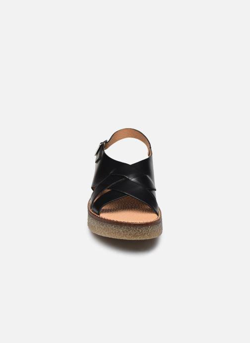 Sandalen Kickers VICTORYNE schwarz schuhe getragen
