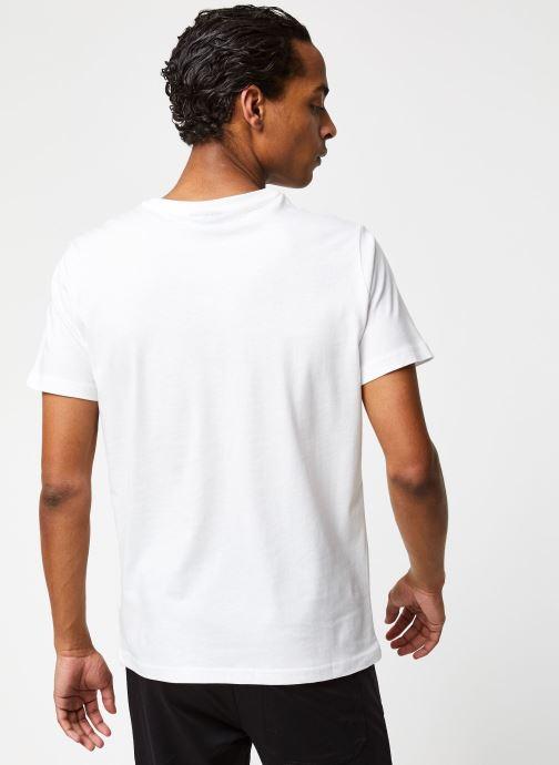 Vêtements Hummel Hmlpeter T-shirt S/S Blanc vue portées chaussures