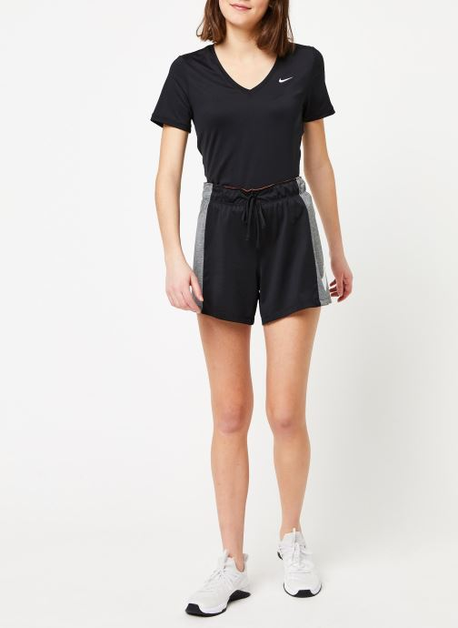 Vêtements Nike W Nk Attk Tr 2.0 Shrt Icnclsh Noir vue bas / vue portée sac